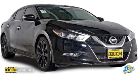 Pre-Owned 2017 Nissan Maxima  FWD 4D Sedan